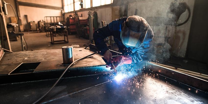 Lavorazione di materiali compositi nelle industrie  siderurgiche e metallurgiche